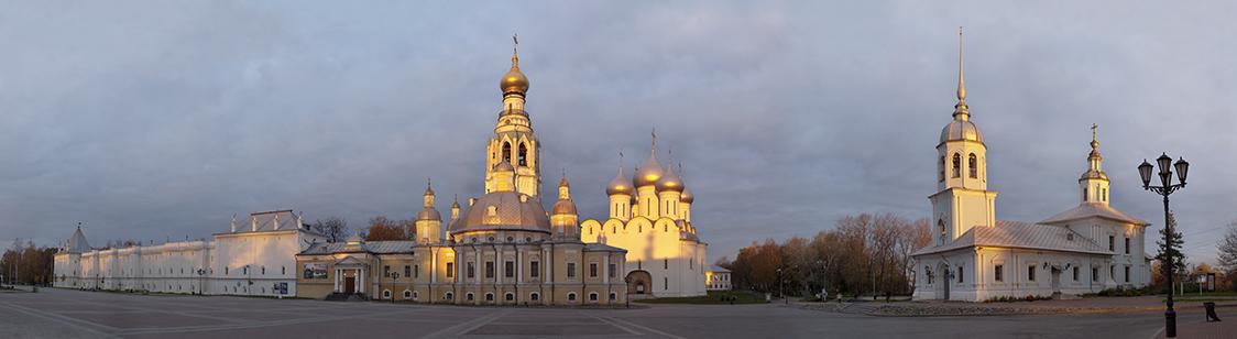 Кремлевская площадь в Вологде