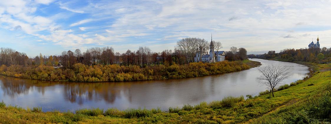 Излучина реки Вологды и церковь Сретения господня на левом берегу