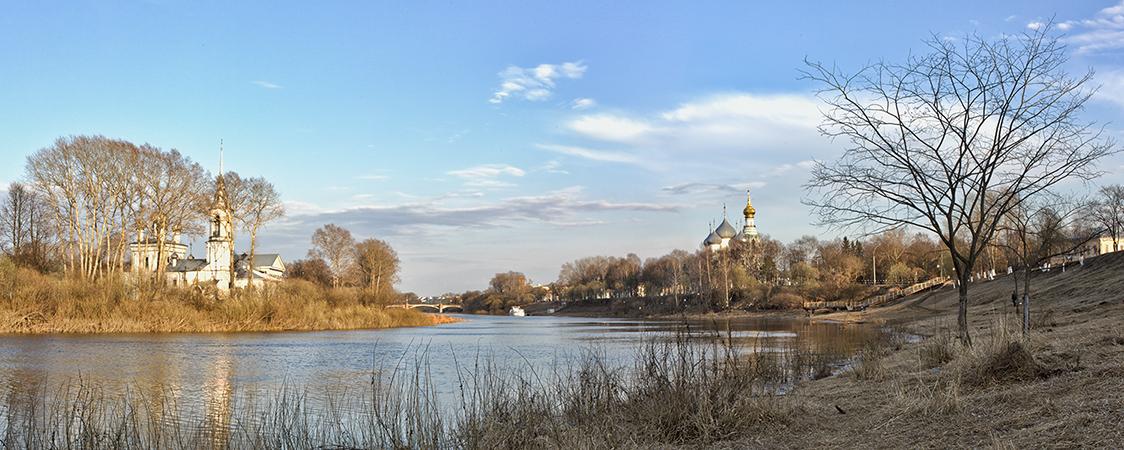 Вид на церковь Сретения Господня в Вологде
